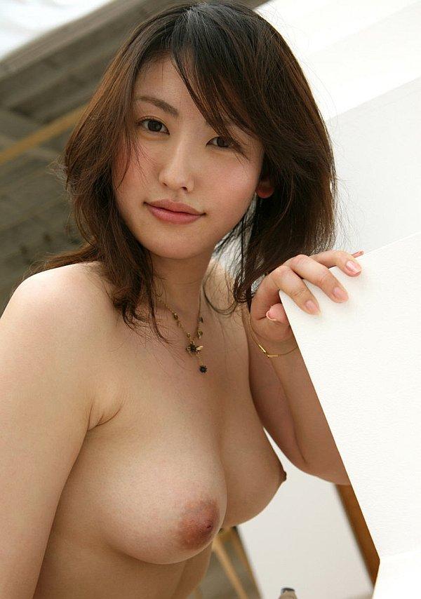 japan-naked-breast