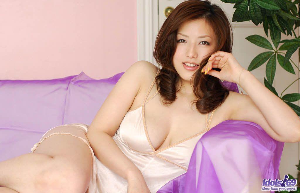 Nude sexy japanese idol