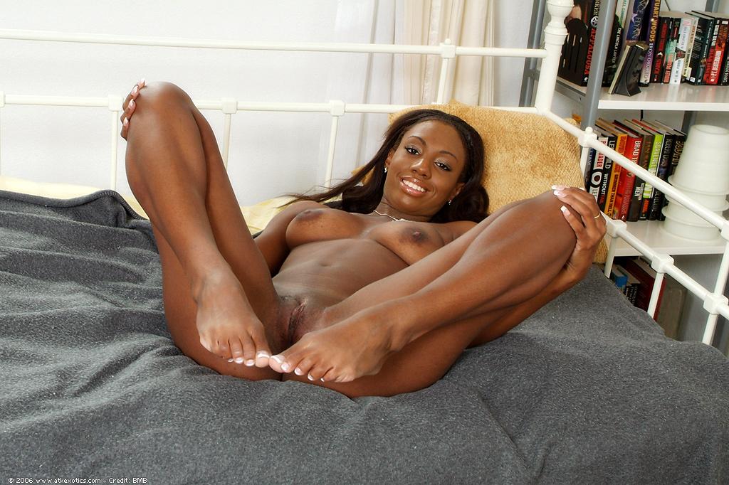 Sexy women adult short shor ts