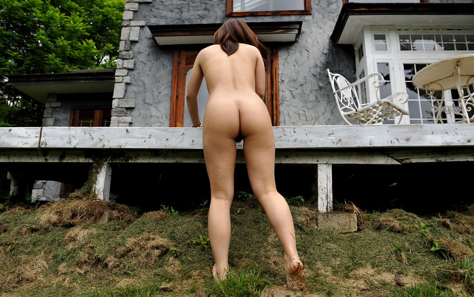 Song Ji Hyo Naked