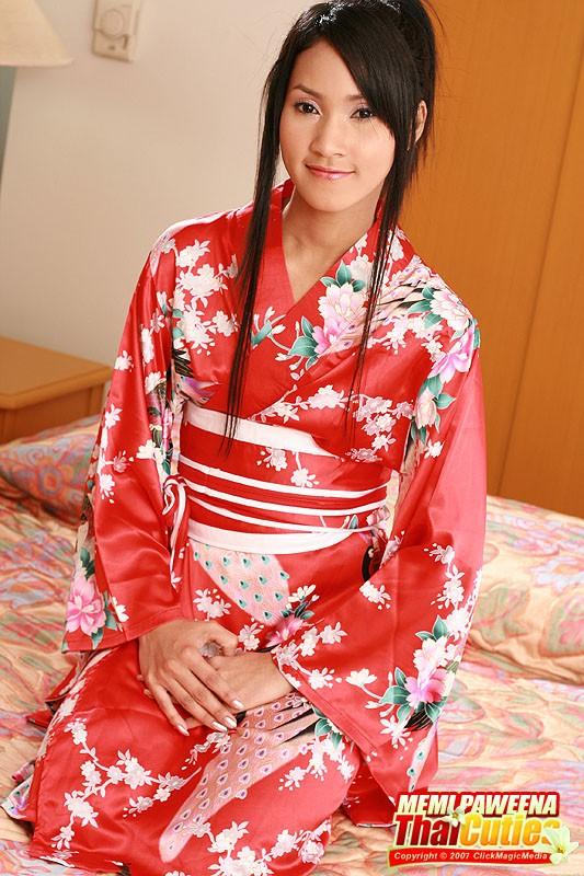 Memi Paweena Cute Asian Teen 49