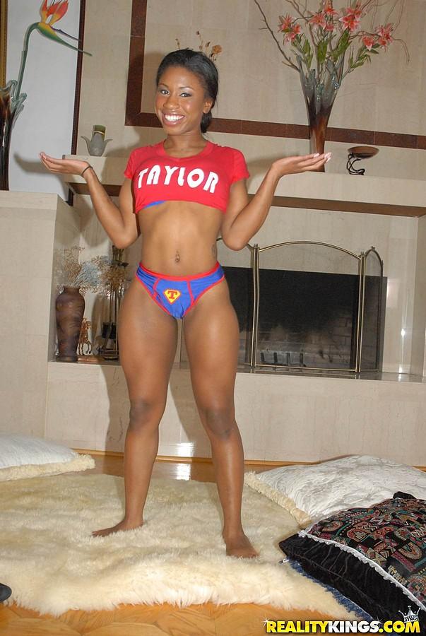 Ebony Teen Porr bilder helt gratis Teen Porr