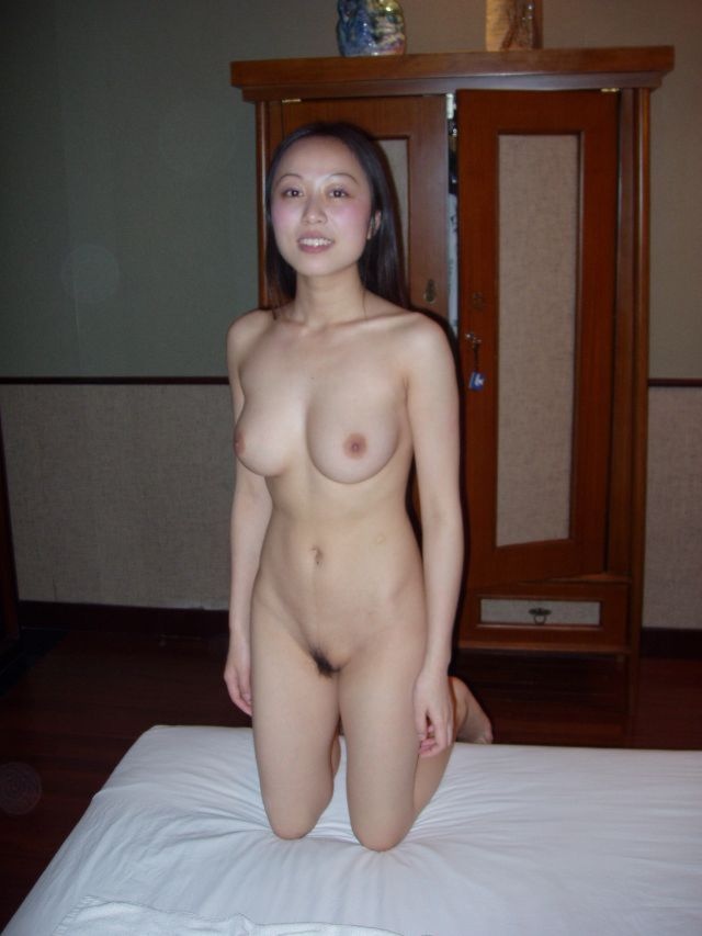 Naked homemade asian woman